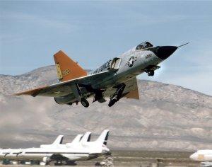 16_F-106 Delta Dart(4)