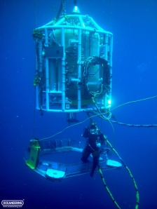 19_oceaneering-nautilus-bell-locking-out
