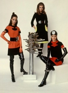 Pierre-Cardin-1968-space-age-style-Bill-Ray-Time-Life-Pictures-Getty-Images-53370378-e1347563307191-628x628