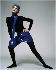 Rachel-Welch-in-Pierre-Cardin-Space-Look-outfit-1969